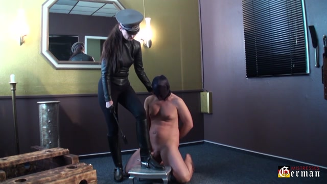 Lady_Victoria_Valente_In_Scene__Sperm_on_leather_boots___GERMANMISTRESSES.mp4.00004.jpg
