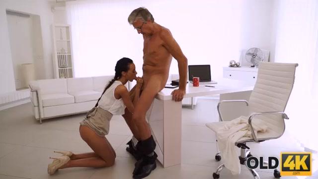 Watch Online Porn – Liliane – Finally she's got her boss dick (MP4, SD, 960×540)
