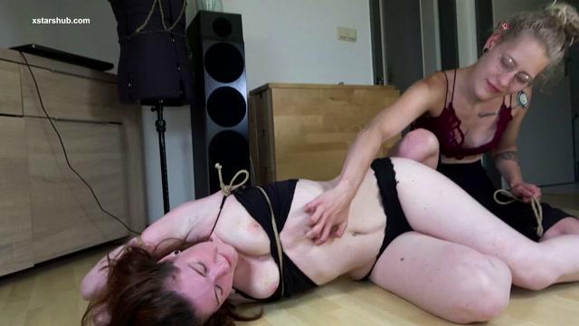 Watch Free Porno Online – Lovely Fetish Spanking Bondage More – FEMDom WaxnRope Brat (MP4, UltraHD/4K, 3840×2160)