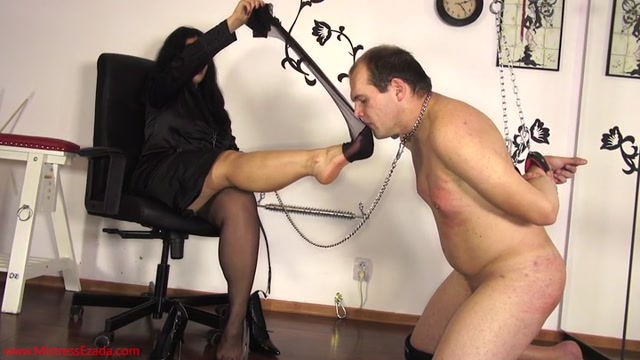 Mistress_Ezada_Sinn_-_No_hands_foot_worship.mp4.00010.jpg