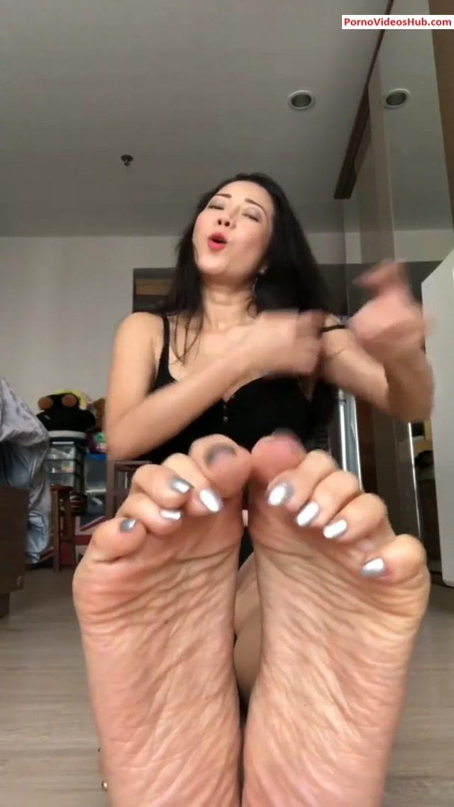 Watch Online Porn – MortaoMaotor – Mortao wants your cum on her feet (MP4,  FullHD, 608×1080)   Online Porn Hub