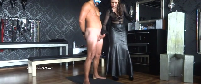 On_the_cumshot_office_Handjob_and_Forced_orgasm_Paul_squirts_very_wildly_-_Lady_Victoria_Valente.mp4.00013.jpg