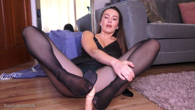 Sophia_Smith_-_Tights_Tease_and_Footjob_Queen.mp4.00011.jpg