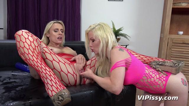 VIPissy_presents_Barbie_Sins___Brittany_Bardot_-_Double_Trouble.mp4.00015.jpg
