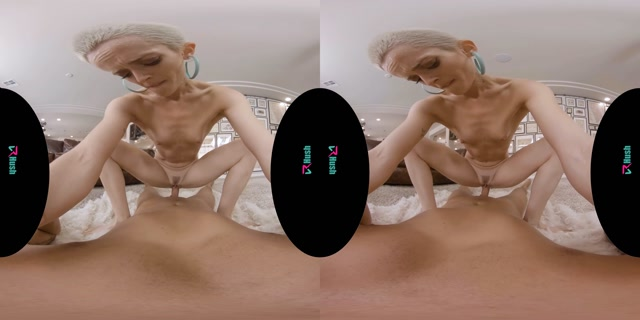 VRhush_presents_Can_You_Help_With_My_OnlyFans_-_Sidra_Sage.mp4.00013.jpg