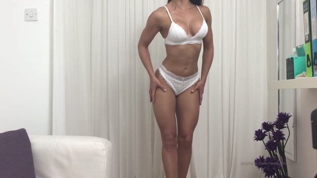 cleosummersxxx_25-05-2019_Body_Worship_by_a_fan_on_Cam_Pt_1._muscleworship_bod.mp4.00004.jpg