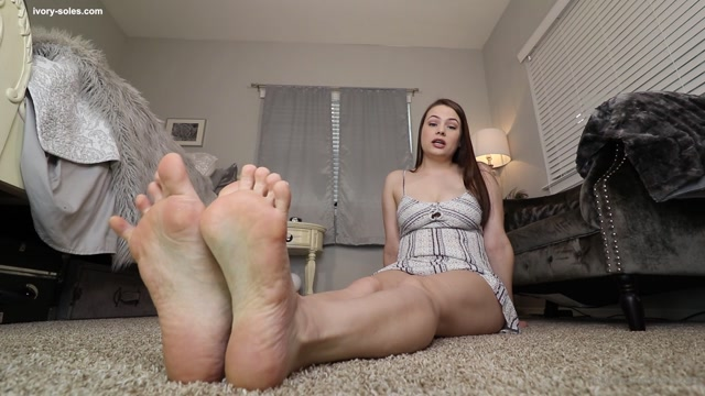 ivorysoles_29-04-2020_Demanded_To_Drain_For_Feet.mp4.00006.jpg
