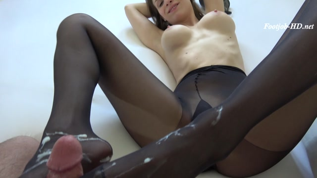 Blowjob___footjob_in_nylons_-_MaryWet.mp4.00015.jpg