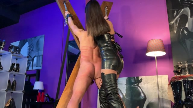 Carolina_Abril_-_Video_44.mp4.00008.jpg