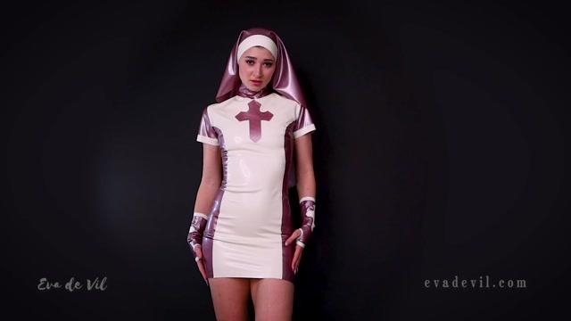 Eva_de_Vil_-_Cum_Offering_for_Latex_Goddess.mp4.00015.jpg