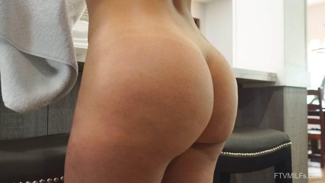 FTVMilfs_presents_Maria_-_Hyper_Sexual_Milf_-_Simply_Asstastic__4_-_15.09.2020.mp4.00001.jpg