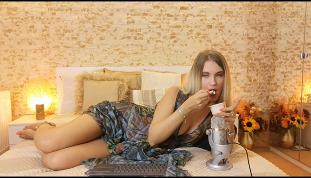 GoddessNatalie_Eating-ice-cream-with-hot-ASMR-sounds.mp4.00000.jpg