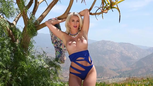 HollyRandall_presents_Gigi_Allens_-_What_a_View_-_17.09.2020.mp4.00006.jpg