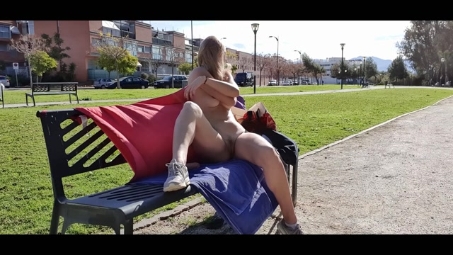 IviRoses_-_Horny_Blindfolded_Park_Bench_Masturbation.mp4.00007.jpg