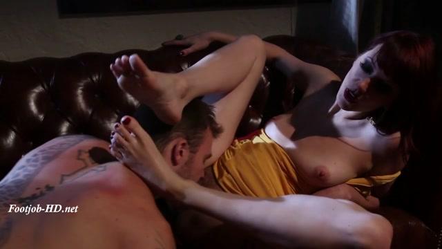 Kiss_My_Feet_Deadly_-_Maitresse_Madeline_Marlowe.mp4.00009.jpg