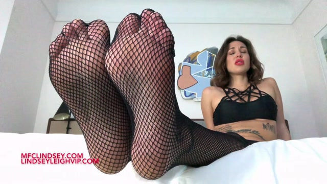 Lindsey_Leigh_-_Dominated_By_My_Fishnets.ts.00005.jpg