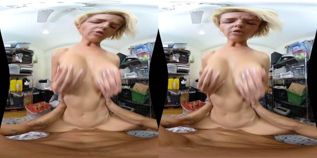 MilfVR_presents_Twerking_from_Home_-_Kit_Mercer_4K.mp4.00009.jpg