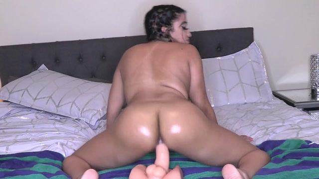 Mixedgirl21_-_Oily_Ass_Pov_Riding.mp4.00011.jpg