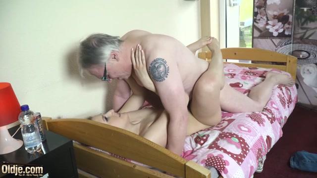 Oldje_752_-_Tempting_The_Teacher_With_Diane_Chrystall_Hans-6.mkv.00012.jpg