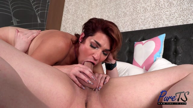 Pure-ts_presents_Riley_Wilson_Seductive_Smooth_And_Sexy___14.09.2020.mp4.00012.jpg