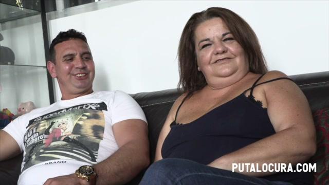 PutaLocura_presents_Cloe_Y_Su_Amiguito_-_MILF_FUCKING_A_FRIEND_-_MADURITA_SE_COME_A_UNO_MENOR_QUE_ELLA___03.09.2020.mp4.00002.jpg