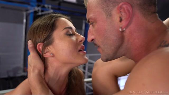Watch Online Porn – RoccoSiffredi presents Sybil aka Sybil A, Sybil Kailena – Rocco'S Fitness Sluts: Teen Edition – Scene 1 – 26.09.2020 (MP4, HD, 1280×720)