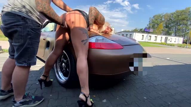 SicFlics_presents_Fist_fucked_at_hotel_car_park___25.09.2020.mp4.00015.jpg
