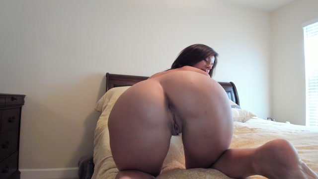 Sweetkiss_69_-_Ass_And_Feet_Worship.mp4.00005.jpg