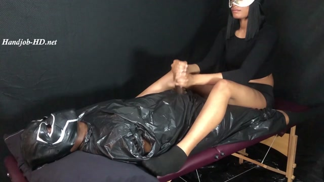 Tabitha_Teases_Wakanda_BBC_On_Massage_Table_For_Double_Orgasm__-_Wacksack.mp4.00009.jpg