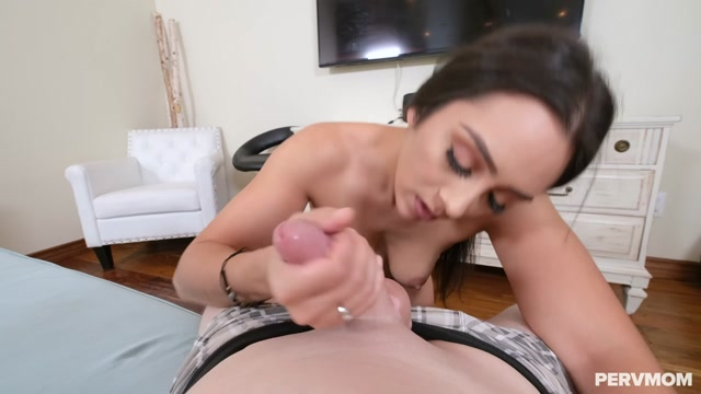 Watch Online Porn – TeamSkeet – PervMom presents Lilly Hall – Mother Knows Best – 27.09.2020 (MP4, HD, 1280×720)