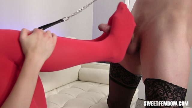 Trained_And_Broken_By_Charlotte_Sins_-_She_Owns_Your_Manhood.mp4.00007.jpg