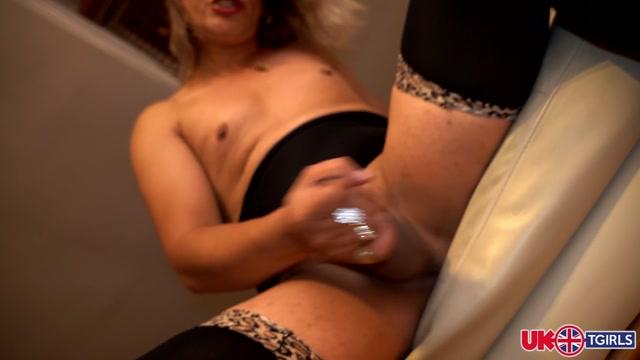 UK-tgirls_presents_Elza_Rema_Is_Back_-_23.09.2020.mp4.00011.jpg