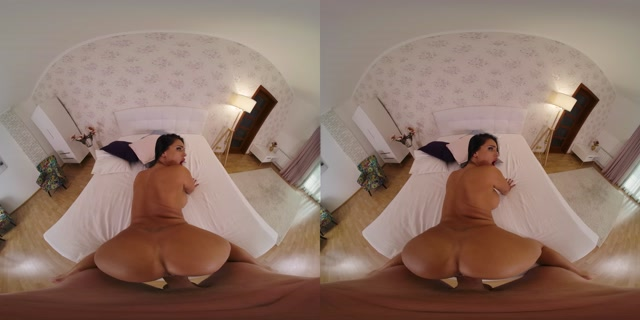 VRBangers_presents_The_Godmother_-_Honey_Demon_5K.mp4.00014.jpg