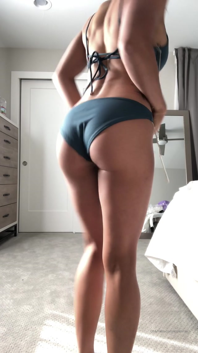 aspenrae_17-10-2019_HELPPPP_I_can_t_decide_Which_is_your_favorite.mp4.00006.jpg