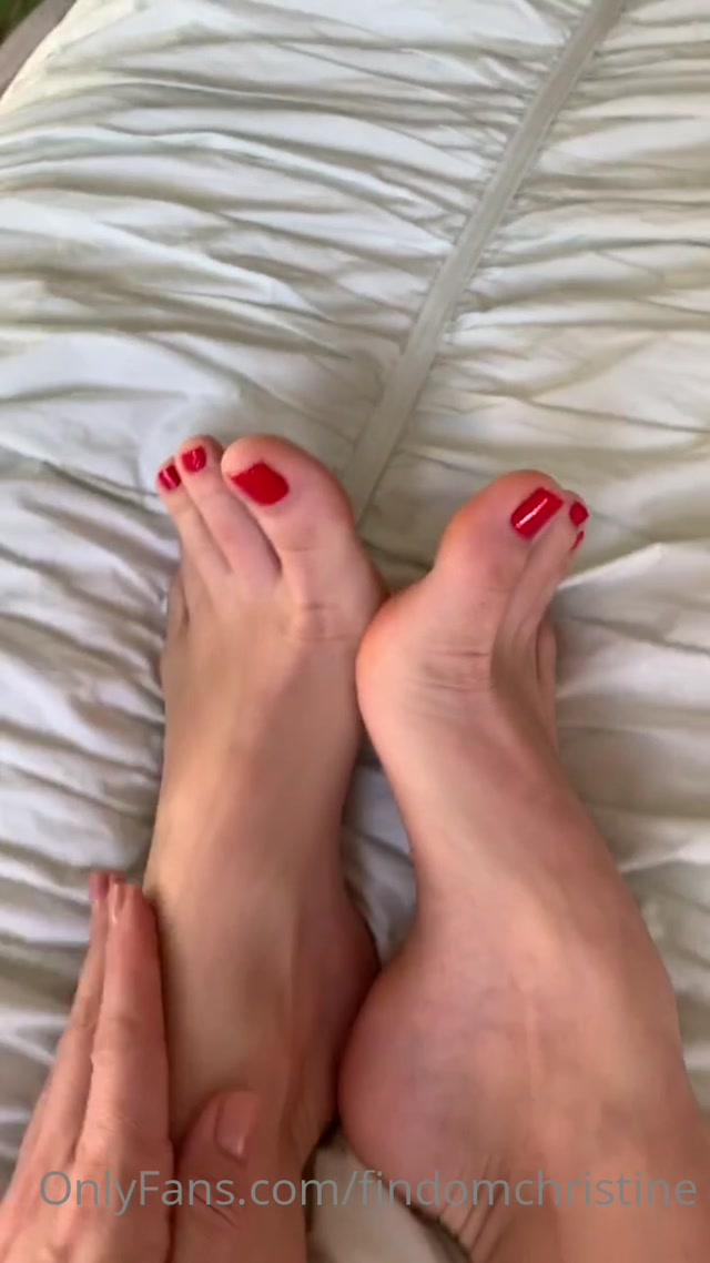 findomchristine_12-05-2020_My_red_hot_toes_control_you..mp4.00012.jpg