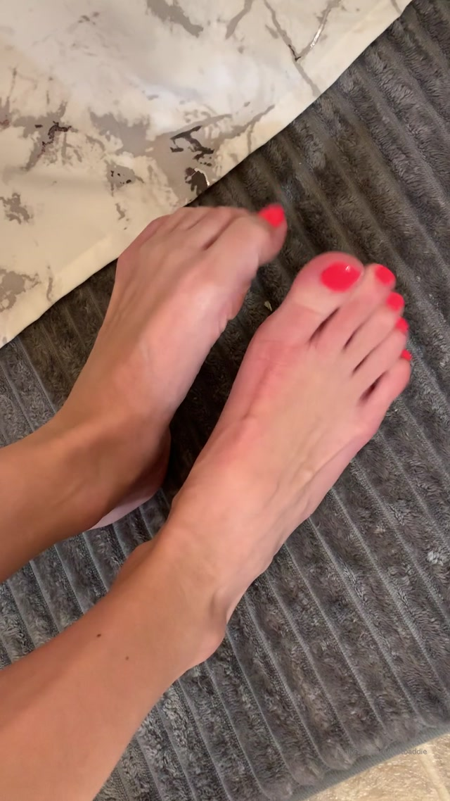 Watch Free Porno Online – footbaddie 09-11-2019 High arches beautiful toes hot pink polish. You re no match for my beauty and you know it. (MP4, UltraHD/2K, 1080×1920)