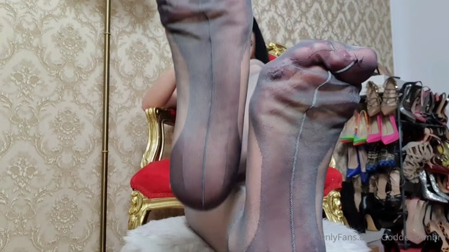 goddessambra_01-05-2020_Heaven_at_My_feet_This_clip_is_a_must_buy_for_today_s.mp4.00006.jpg