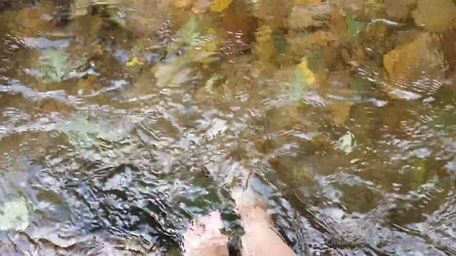 goddessambra_05-08-2020_Current_activity_...relaxing_My_feet_in_this_chilly_r.mp4.00008.jpg