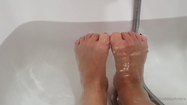 goddessambra_23-05-2020_Wouldn_t_you_love_to_be_My_personal_foot_bitch_FeetTe.mp4.00011.jpg