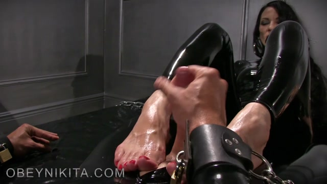 obey_nikita_-_mistress_nikita_-_Rubber_Foot_Sucker.mp4.00015.jpg
