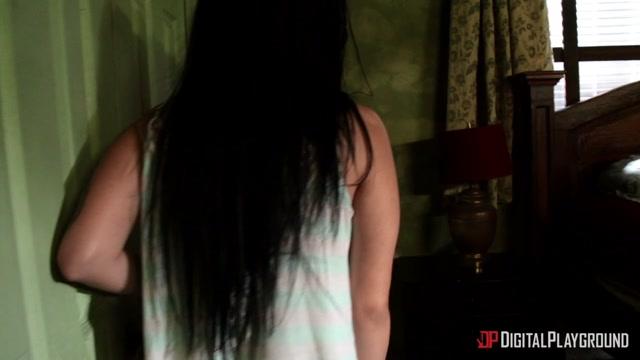 DigitalPlayground_presents_Katrina_Jade_-_American_Whore_Story_Episode_One___05.10.2020.mp4.00015.jpg