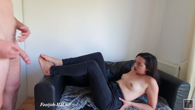 Watch Online Porn – Feet and Jeans – Summer Fox (MP4, FullHD, 1920×1080)