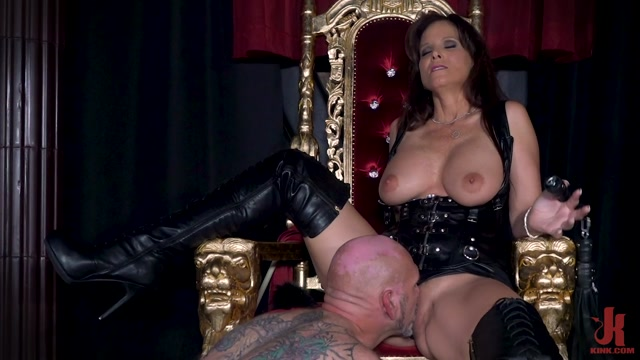 FilthyFemdom_presents_Syren_De_Mer_-_Yes_My_Queen__Syren_De_Mer_Dominates_Her_Daddy_For_The_First_Time___10.10.2020.mp4.00011.jpg