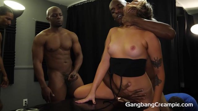 GangbangCreampie_presents_Gwen_Vicious_-_GangBang_Creampie_273___10.10.2020.mp4.00000.jpg