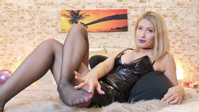 Goddess_Natalie_-_Truth_or_sissy.mp4.00002.jpg
