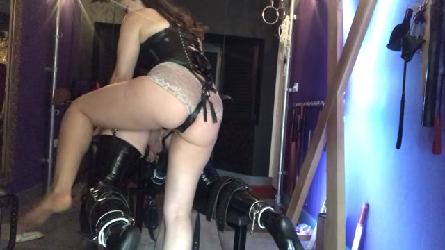 Gynarchy_Goddess_-_Fucking_my_sluts_ass_like_a_true_show_off._I_ve_got_skills.mp4.00001.jpg