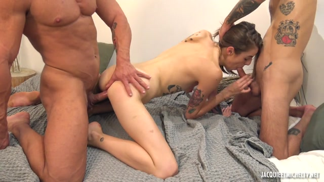 JacquieEtMichelTV_presents_Alba_-_The_Sex_Season_Continues_For_Alba__19_Years_Old____25.10.2020.mp4.00013.jpg