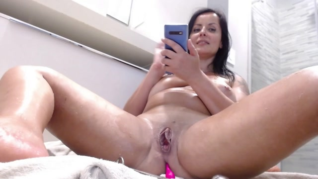 Kinky_busty_brunette_MILF_hook_and_triple_dildos_sex.mp4.00012.jpg