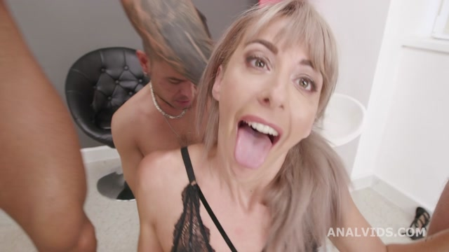 Watch Online Porn – LegalPorno presents Naked Barefoot, Vicky Sol Feet Play with Balls Deep Anal, Gapes and Swallow GIO1573 – 28.10.2020 (MP4, HD, 1280×720)