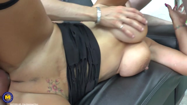Mature.nl_presents_Caro_La_Petite_Bombe__EU___46_.mp4.00011.jpg